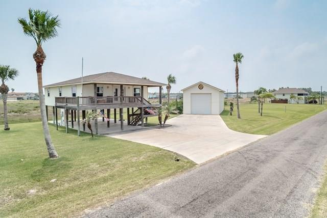 115 Palm Dr, Rockport, TX 78382