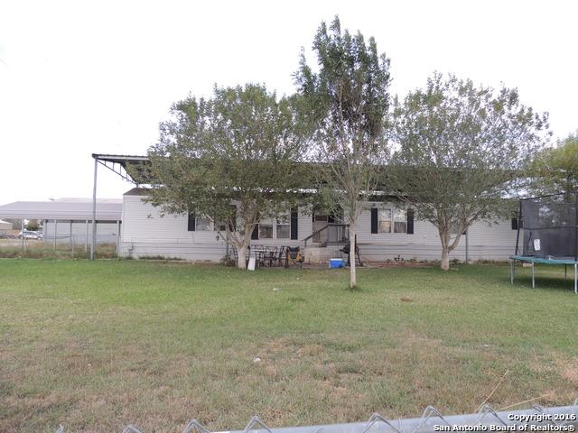 506 Willow St, Jourdanton, TX 78026