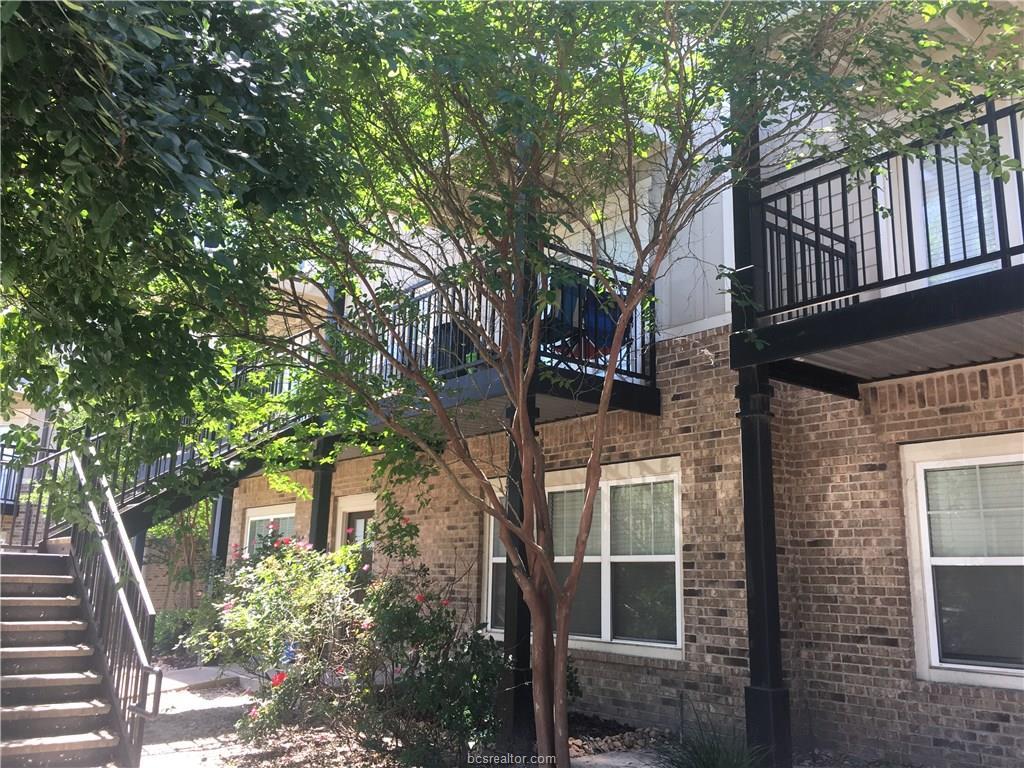 1725 Harvey Mitchell 1422, College Station, TX 77840