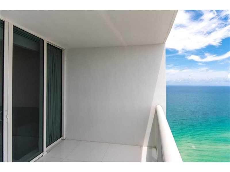 18201 Collins Ave PH5205, Sunny Isles Beach, FL 33160