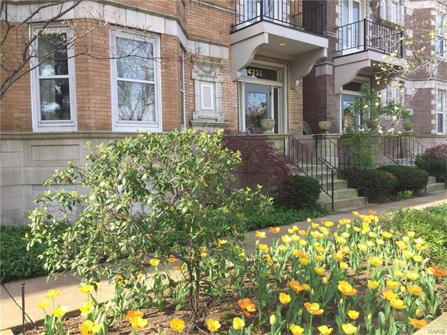 4256 Lindell, St Louis, MO 63108