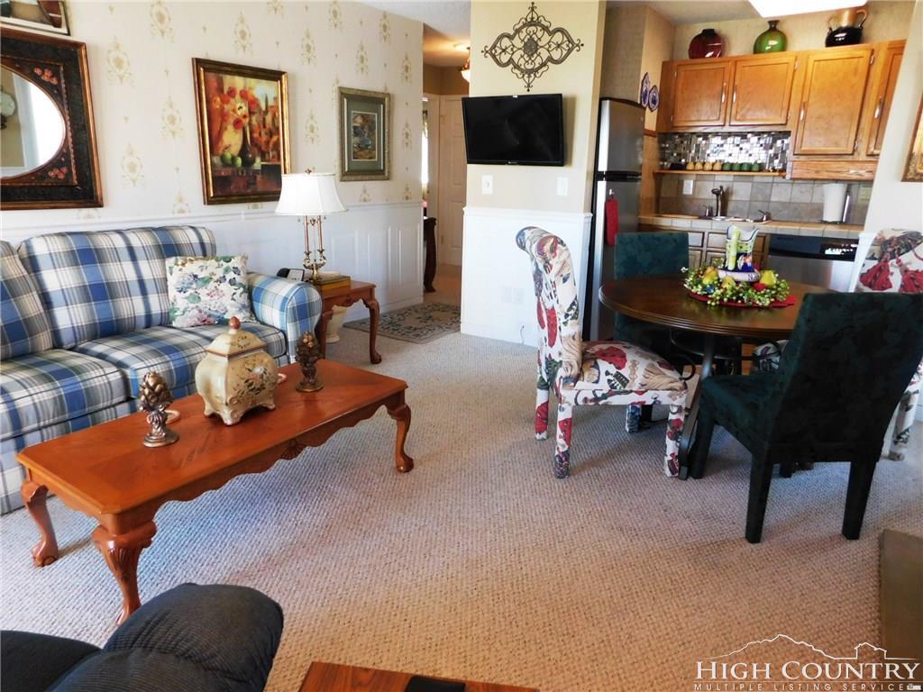4209 Pinnacle Inn Road 4209, Beech Mountain, TN 28604