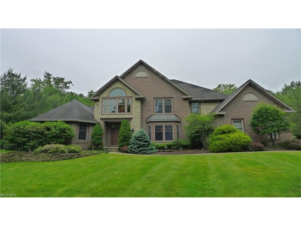 10 Easton Ln, Moreland Hills, OH 44022