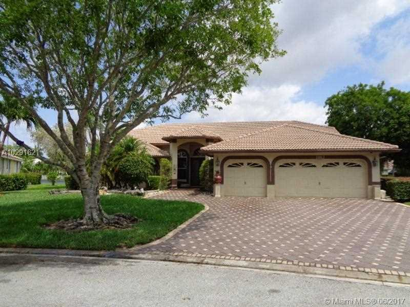 11062 NW 49th Dr, Coral Springs, FL 33076