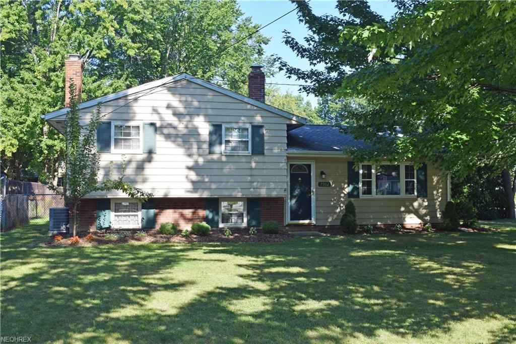 2902 Lost Nation Rd, Willoughby, OH 44094