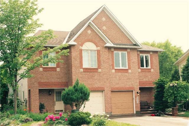 6270 Sablewood Pl, Ottawa, ON K1C 7M5