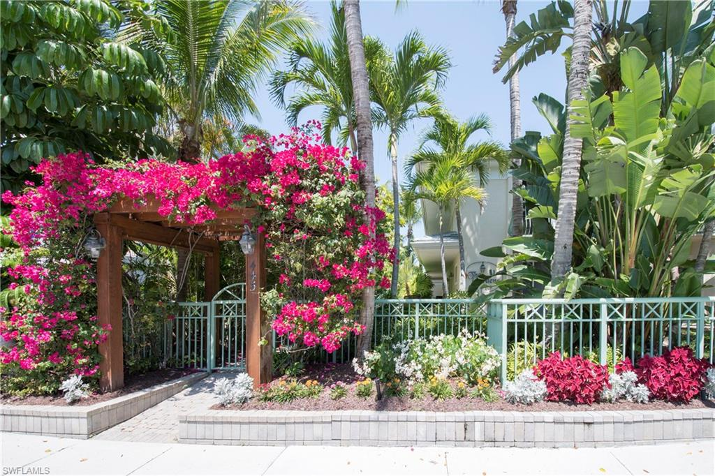 445 3rd AVE S 200, NAPLES, FL 34102