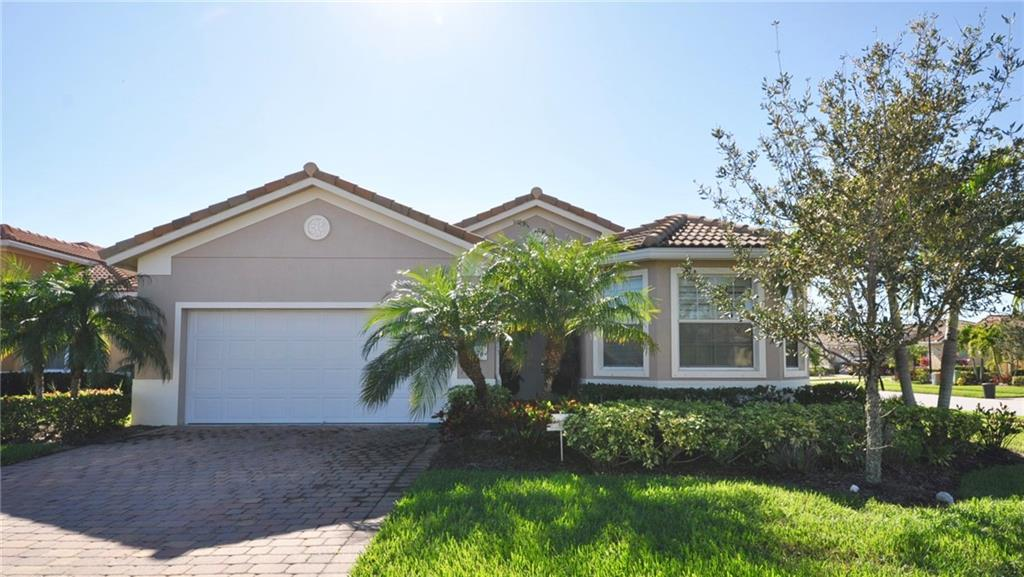 4276 NW Oakbrook Circle, Jensen Beach, FL 34957