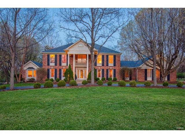1048 Wellington Terr, Town and Country, MO 63017