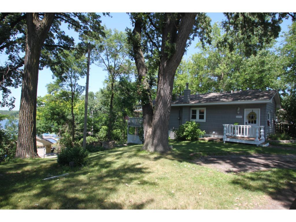 6252 Eagle Lake Drive, Maple Grove, MN 55369