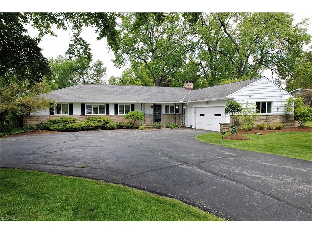 29575 S Woodland Rd, Pepper Pike, OH 44124