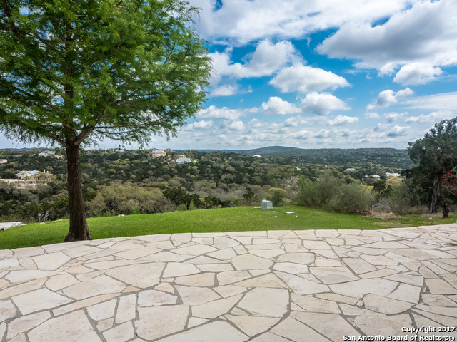 316 Private Road 1703, Helotes, TX 78023