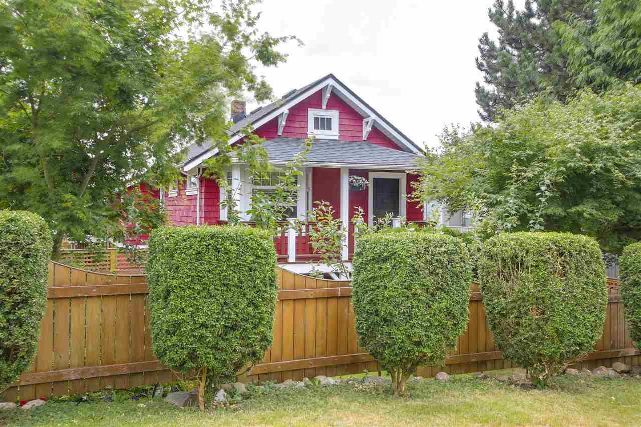 709 E 6TH STREET, North Vancouver, BC V7L 1R5