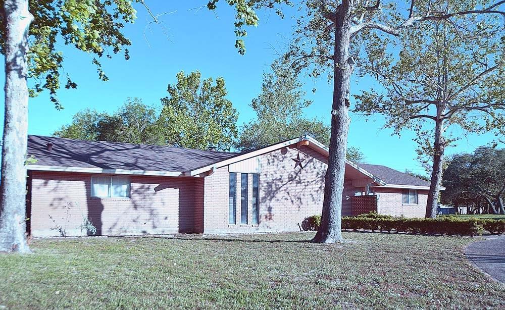 759 S Lamont St, Aransas Pass, TX 78336