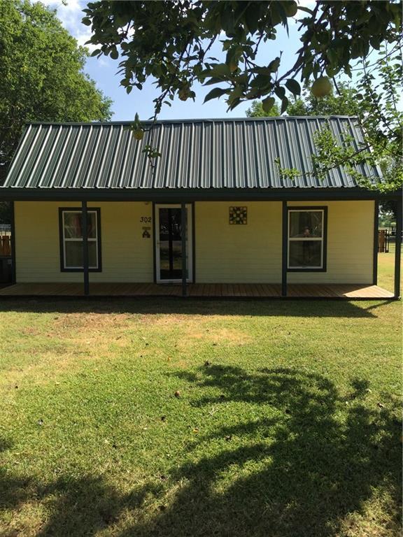 302 N Cleburne Whitney Road, Rio Vista, TX 76093