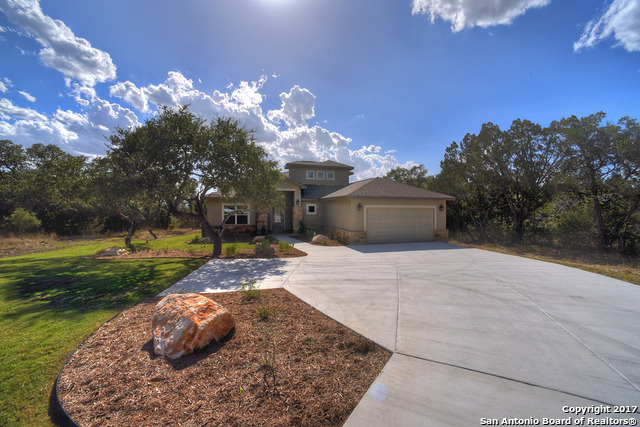 2395 Sunset Rdg, Canyon Lake, TX 78133