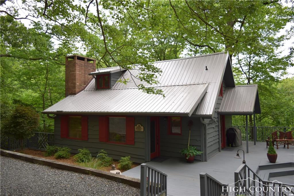 383 Valley View Road, Blowing Rock, NC 28605