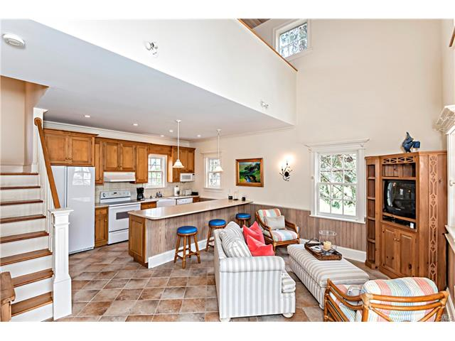 Additional photo for property listing at 179 Peaceable Ridge Road  Ridgefield, Connecticut,06877 United States