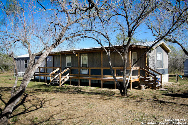 110 County Road 401, Three Rivers, TX 78071