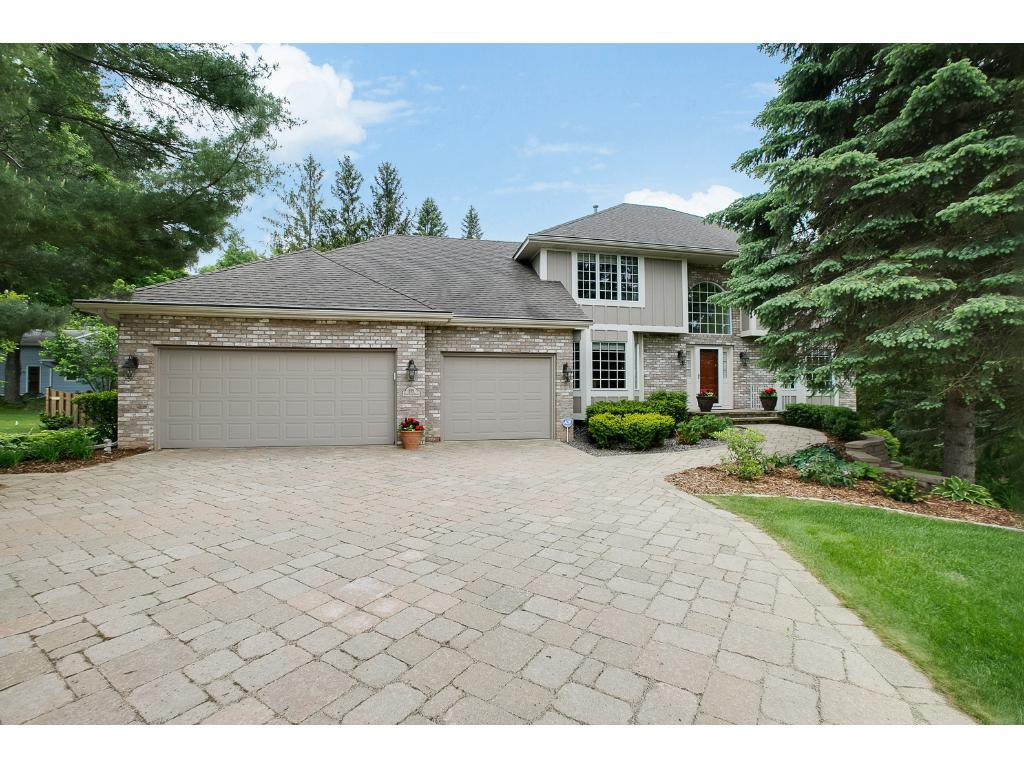 855 Park Place Drive, Mendota Heights, MN 55118