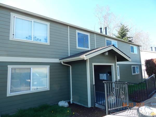 817 75th St E B, Tacoma, WA 98404