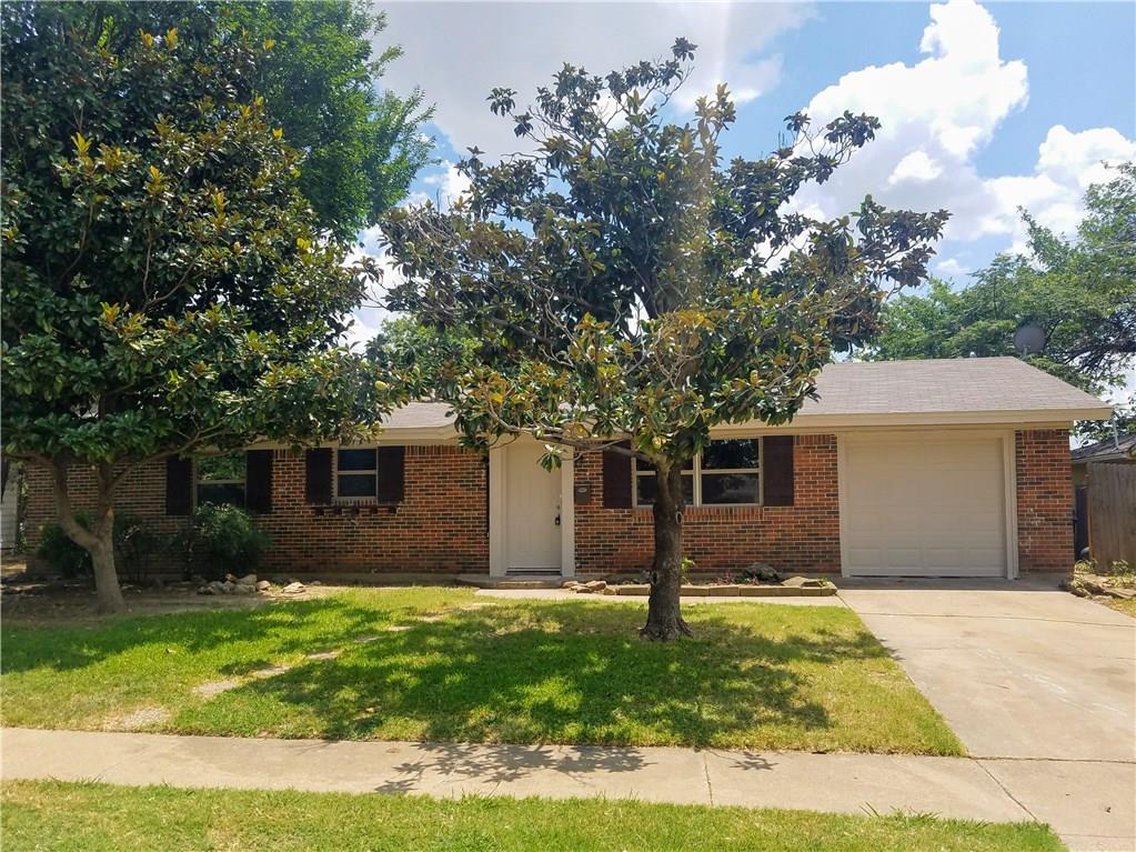 210 Westwood Drive, Euless, TX 76039