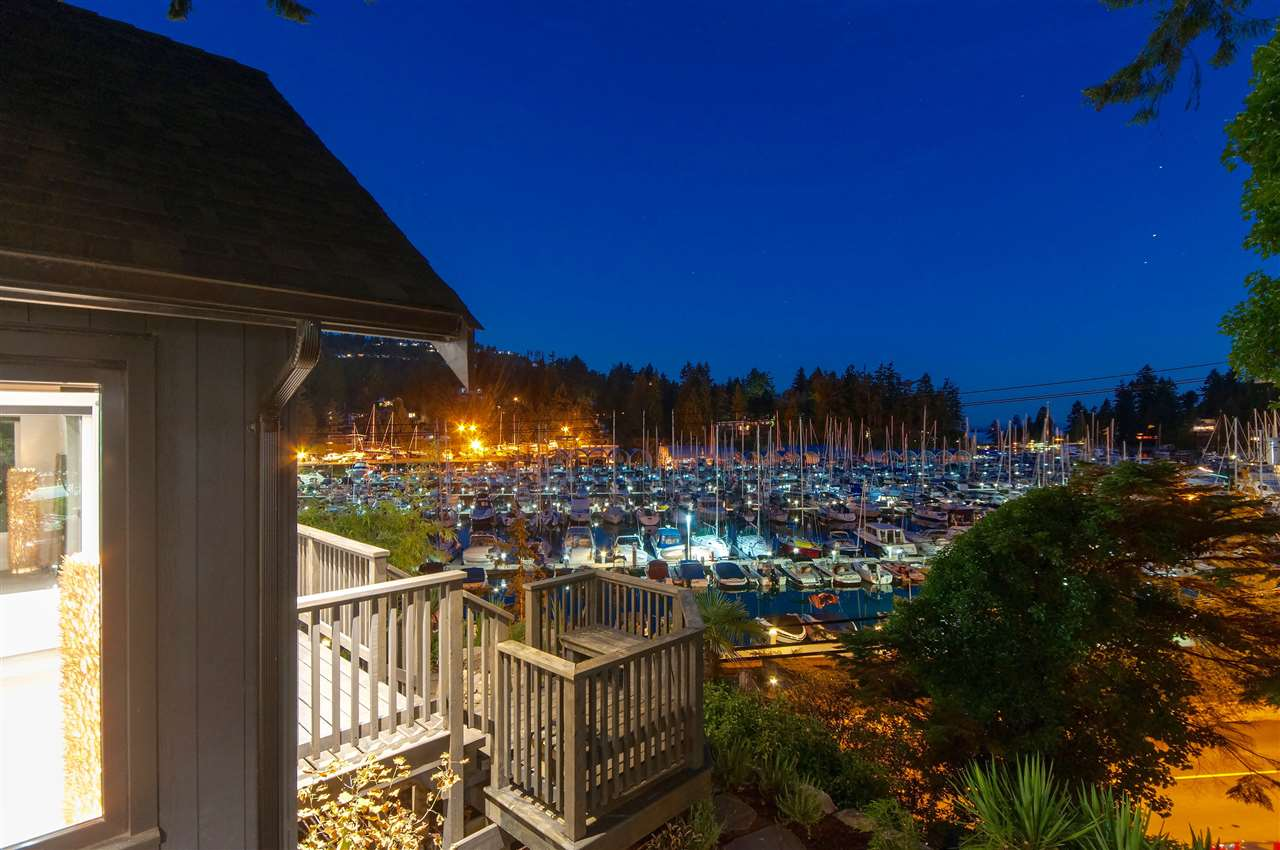 5809 MARINE DRIVE, West Vancouver, BC V7W 2S1