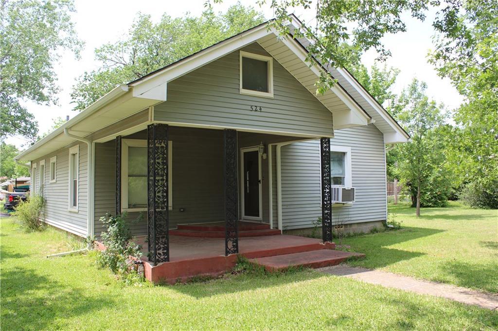 524 S Church Street, Pilot Point, TX 76258