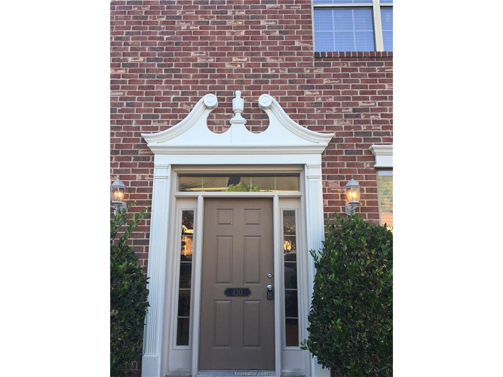 105 Forest Drive, College Station, TX 77840
