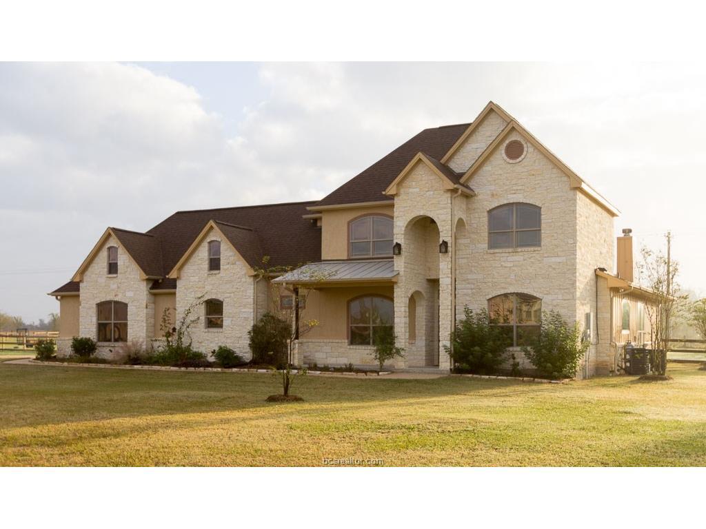 17515 Lariat Lane, College Station, TX 77845