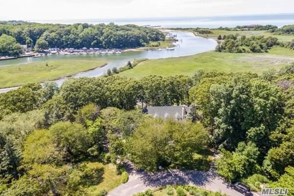 1035 Sebastians Cove, Mattituck, NY 11952