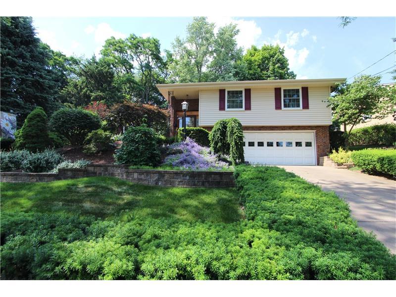 882 Bridgewater Dr, Pittsburgh, PA 15216