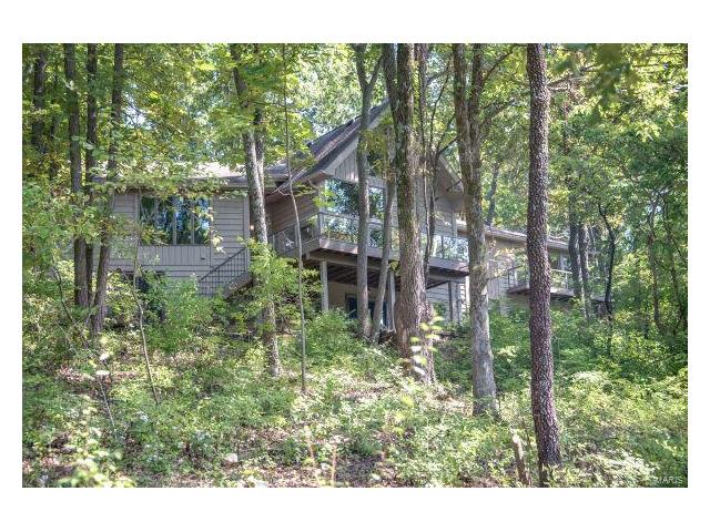 44 Chesterfield Lakes Drive, Chesterfield, MO 63005