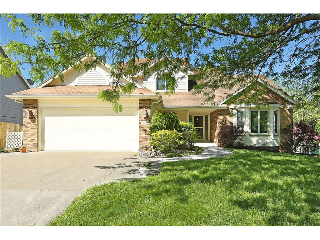 1824 NW 90th Street, Clive, IA 50325