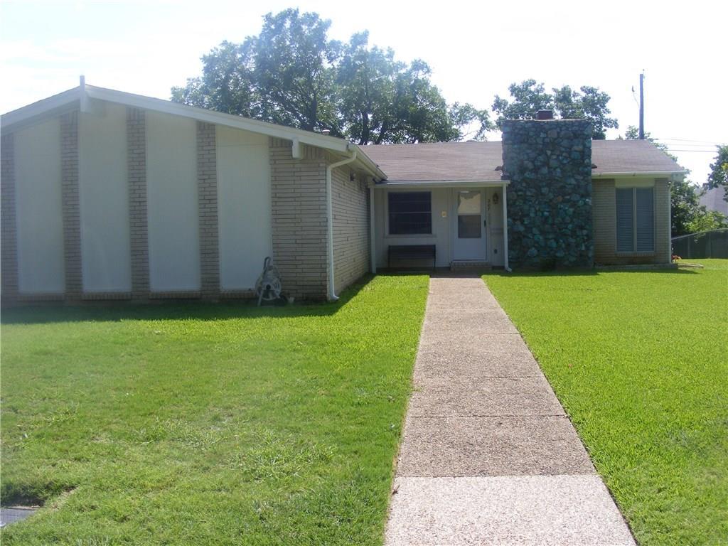 207 Huntington Drive, Euless, TX 76040