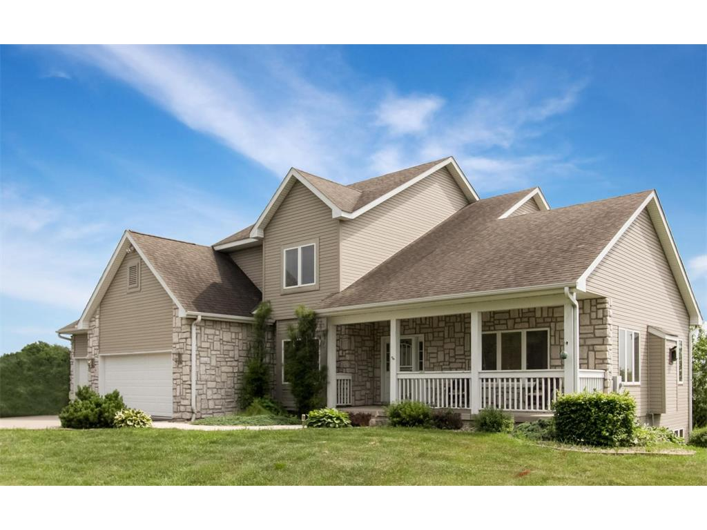 4425 Plumberry Road, Ely, IA 52227