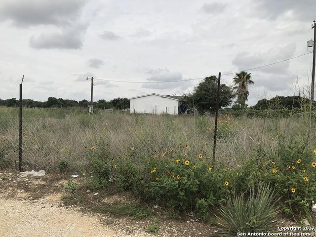 2950 RANCH TRAIL RD, San Antonio, TX 78264