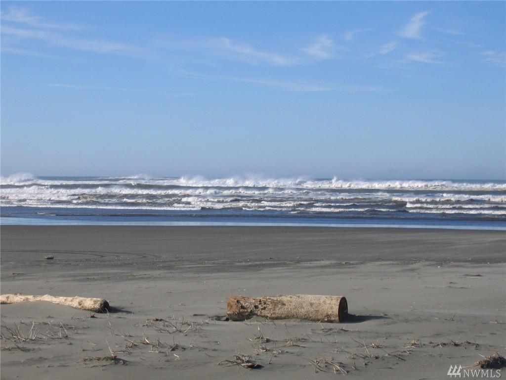 1249 Ocean Shores Blvd SW, Ocean Shores, WA 98569