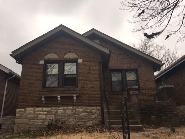 3904 Burgen Avenue, St Louis, MO 63116