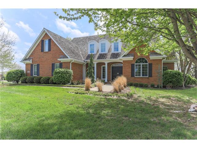 8109 Clearwater Drive, Parkville, MO 64152