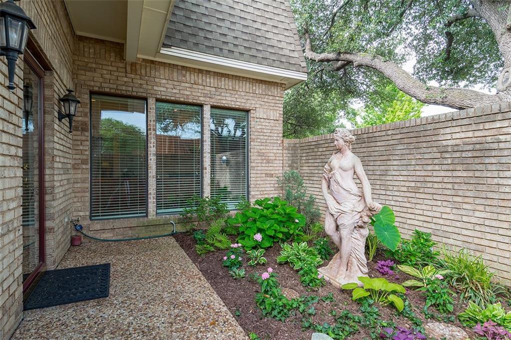 3010 Stonehenge Lane, Carrollton, TX 75006