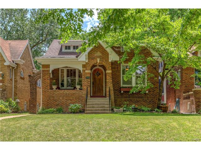 3992 Dover Place, St Louis, MO 63116