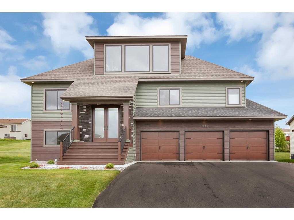 1555 Prairie View Lane NE, Sauk Rapids, MN 56379