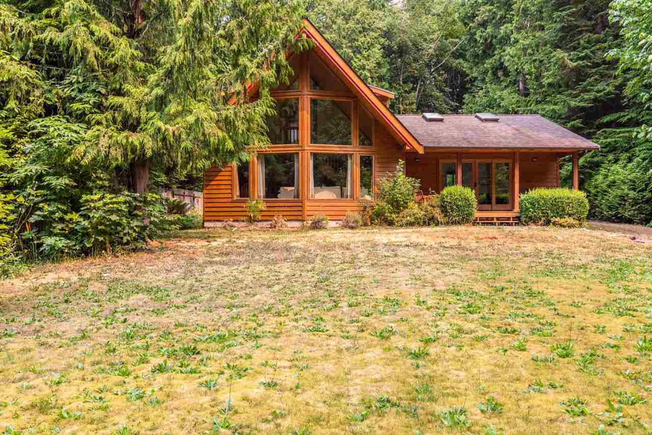 3160 BEACH AVENUE, Roberts Creek, BC V0N 2W0