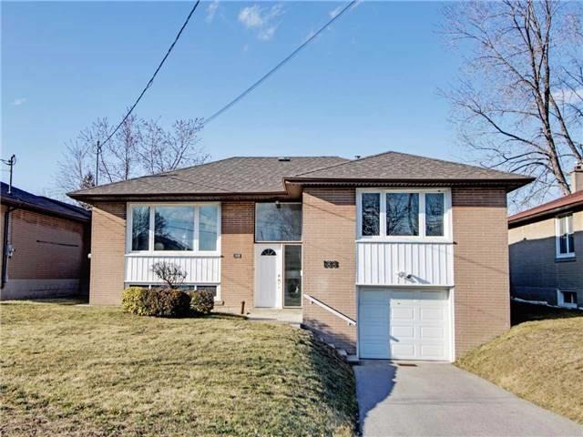 188 Acton Ave, Toronto, ON M3H 4H5