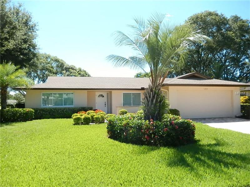 2725 WOODMERE COURT, CLEARWATER, FL 33761