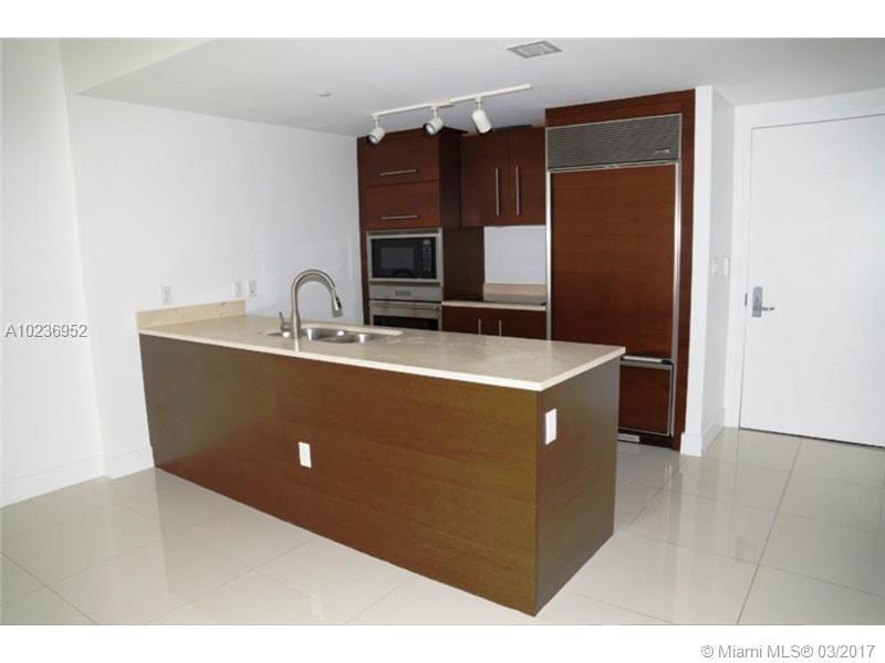 475 Brickell Ave 3111, Miami, FL 33131