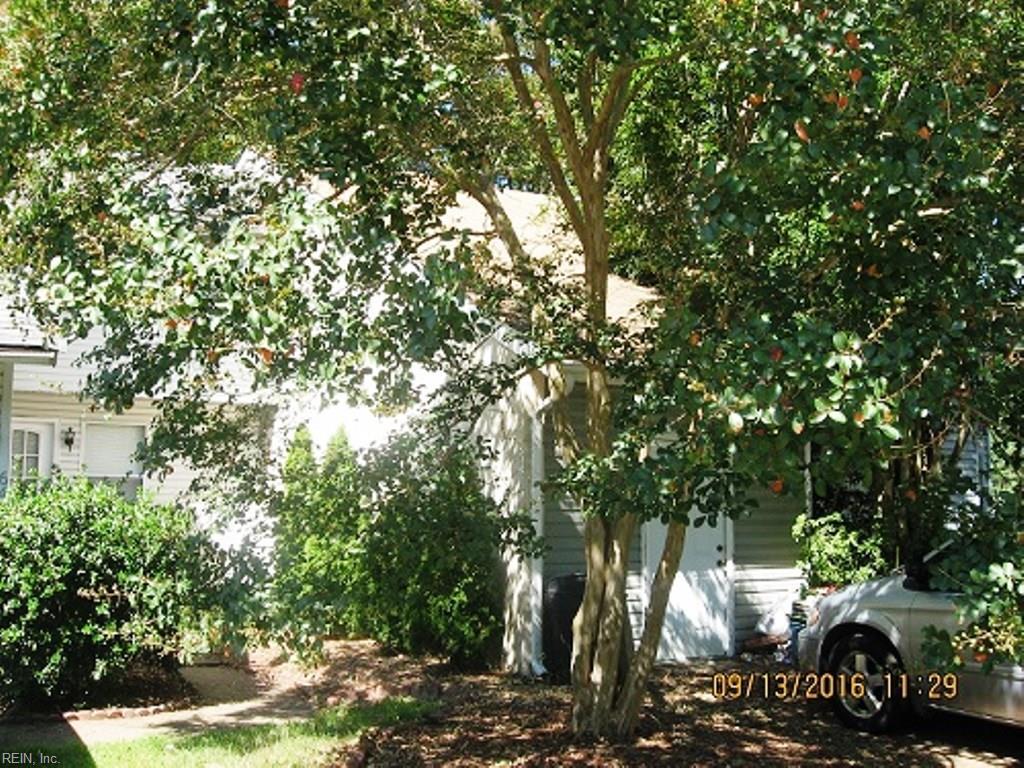 646 Pine BND, Chesapeake, VA 23320