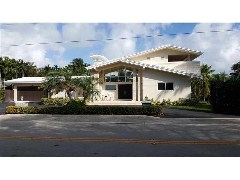 9825 Broadview Ter, Bay Harbor Islands, FL 33154