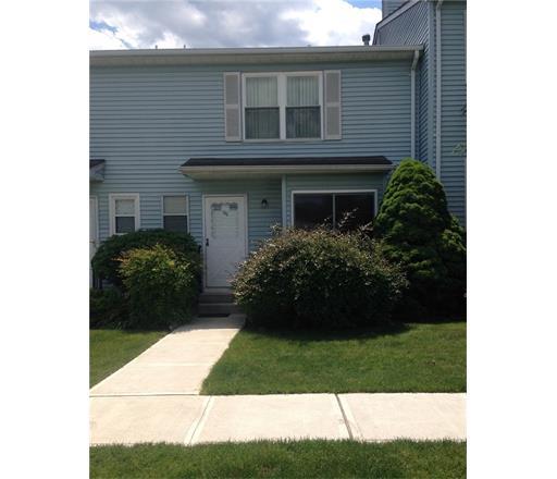69 Brookview Circle, Monroe Township, NJ 08831